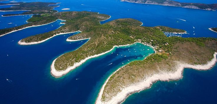 The Hvar island is Dalmatia's trendiest destination, after Dubrovnik and it is the perfect destination for tourists seeking the beauty of Mediterranean beaches without the crowds associated with more well-known destinations. The island Hvar is one for the best destinations for gulet cruising.