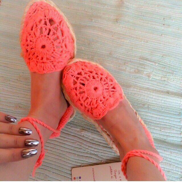 #alpargatas tejidas en #crochet  Pedidos al whatsapp 3214543862