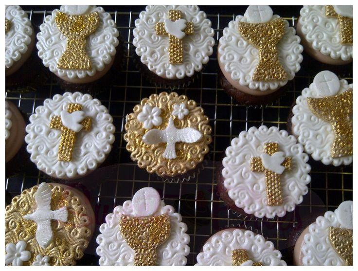 First Communion Cupcakes ~!  Primera Comunion ~!
