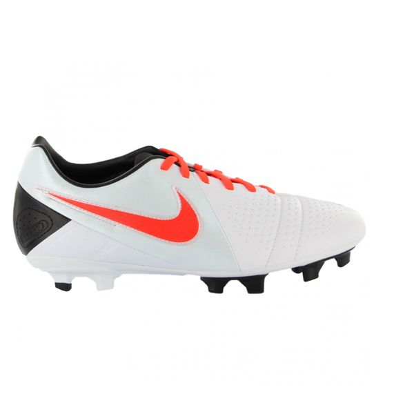 Sepatu Bola Nike CTR360 Libretto III (525170-180) merupakan generasi ketiga dari CTR360 Libretto yg dikeluarkan oleh Nike. Sepatu dengan diskon 40% dari harga Rp 759.000 menjadi Rp 459.000.