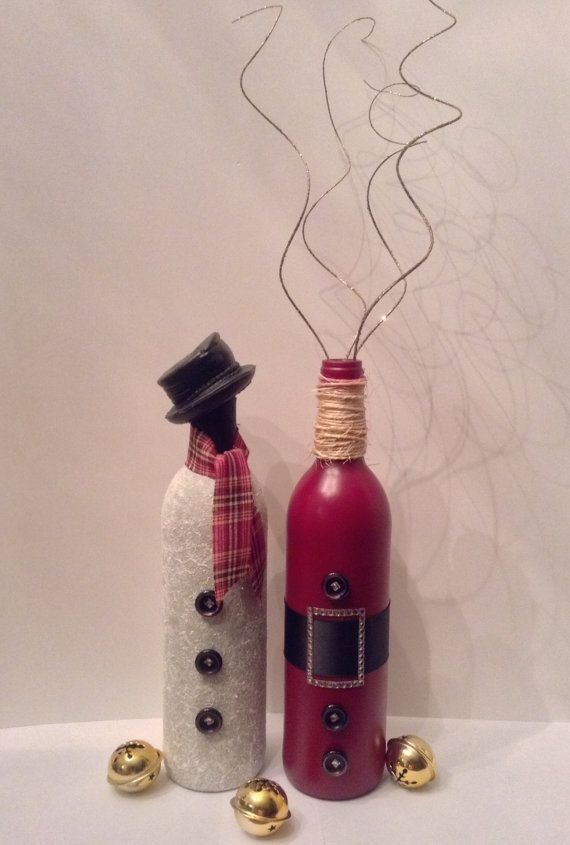 Diy Christmas snowman and Santa wine bottle crafts - bells, button, yarn, table decoration. Santa Clauss y Papá Noel, botella decorada.