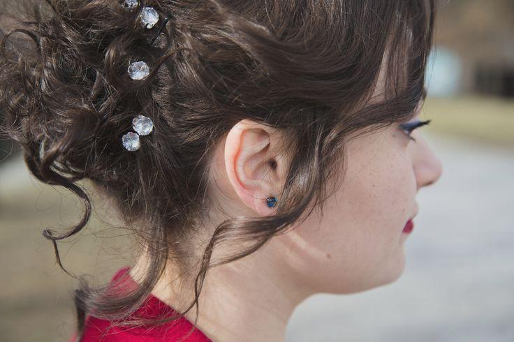 Make-up (self made) and hair for my wedding day ♥  #blueeyeliner #weddingmakeup #weddinghair #blueandredwedding #redlips