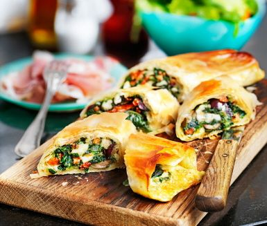 Spenatrullar med soltorkade tomater (Spinach rolls with sundried tomatoes)