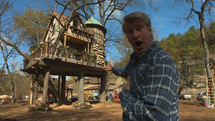 A lot of work went into this one of a kind treehouse. Explore the inside with Pete.  (Windsor Pinnacle windows were used in the build!)