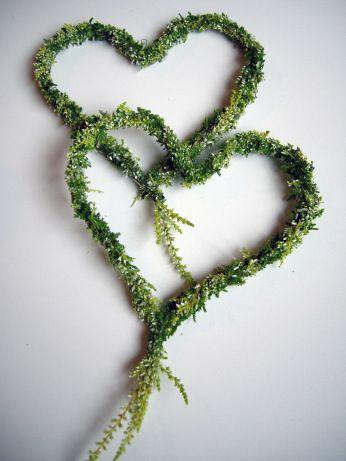 Gebundene Herzen #Calluna #binden #Floristik #Heidekraut #Steckdraht