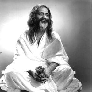 Imagini pentru gurul indian Maharishi Mahesh photos