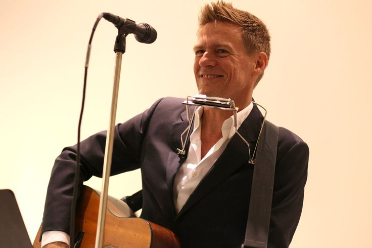 canadian rocker Bryan Adams - 15 grammys, 20 junos, 100 million records worldwide. Order of Canada, hollywood walk of fame, canada's walk of fame, Governor General's Performing Arts Award