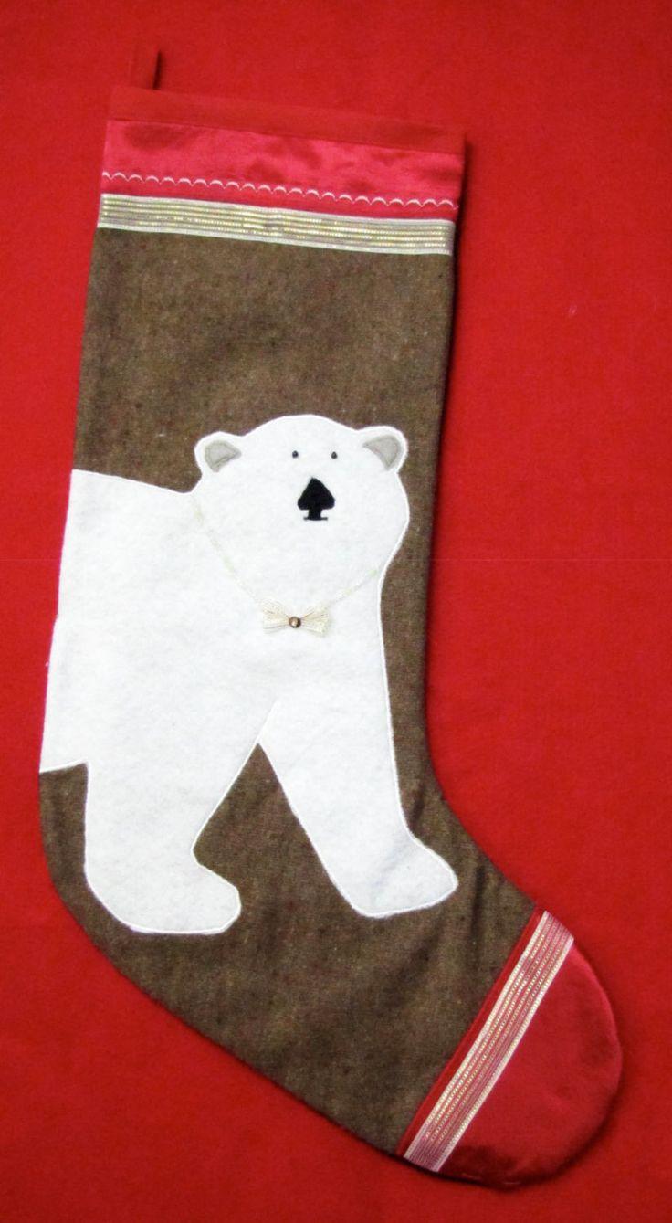 BAS DE NOEL, fait main-ours polaire/hand made christmas stocking-polar bear de la boutique HOLESBAS sur Etsy