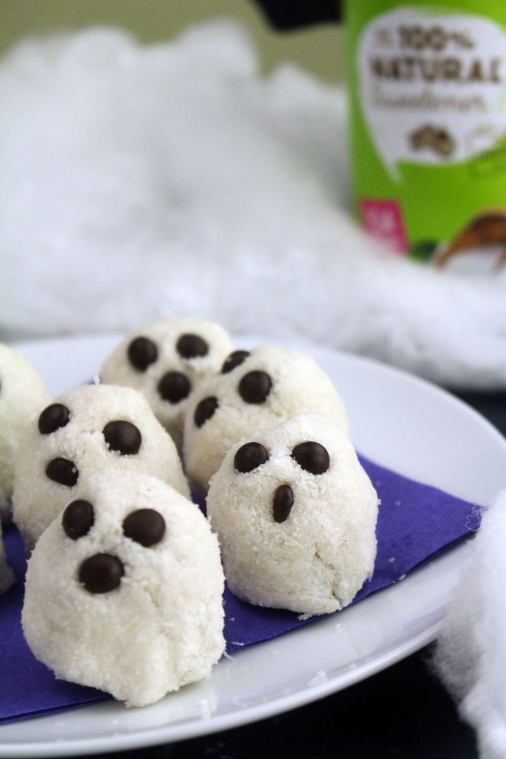 This #sugarfree #Halloween dessert treat is super simple and delicious. Our #Coconut Ghosts don't taste nearly as ghoulish as they look AND they're the perfect haunting additions to any Halloween party.   Full recipe: https://www.natvia.com/coconut-ghosts/