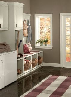 benjamin moore weimaraner is one of the best greige paint colours as shown in this mudroom