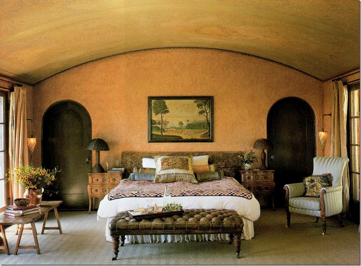 Architectural Digest 1998:  Tim Curry's Master bedroom.  Beautiful!   Dreamy!!!   And so romantic.