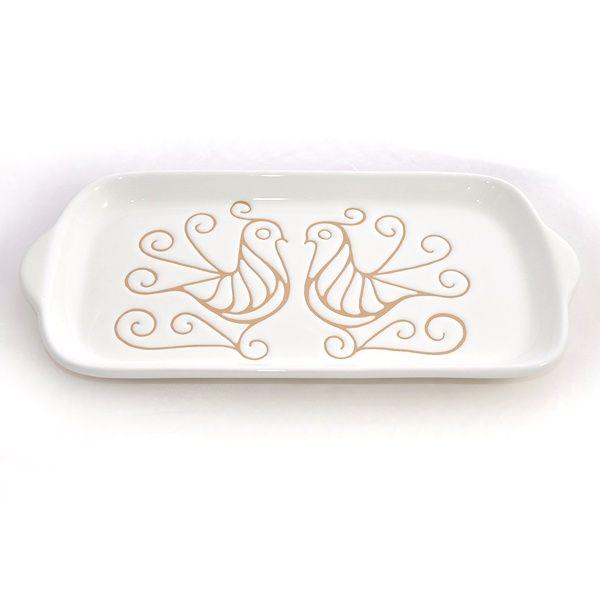 Vassoio rettangolare in ceramica. Decorato con le Pavoncelle tradizionali della Sardegna. Artigianato sardo, home decor. Kernos ceramiche.