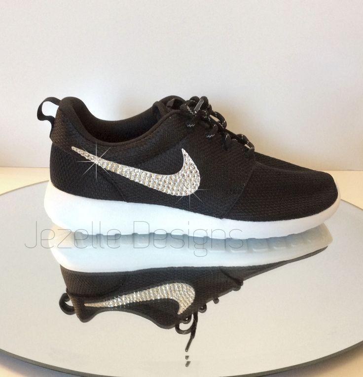 Nike Chaussures Roshe Papier Peint Noir Peau De Serpent