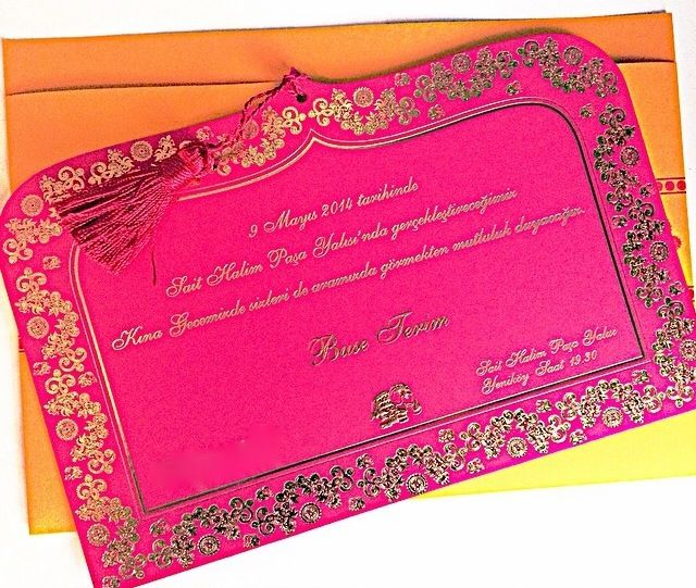 Henna night decoration- kina gecesi masa dekorasyonu- pink- sparkle- yellow flowers- table decor- event/ davet- nisan- birthday/ kina tahti - mor - purple- buse terim in kinasi- details- detaylar - kina davetiyesi- invitation card- sait halim pasa yalisi- turkiye- istanbul- turkey