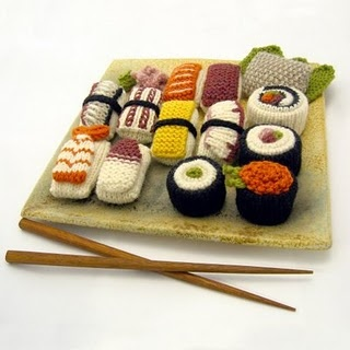 crochet sushi - this is really adorable but who seriously has the time to waste making something like this?
