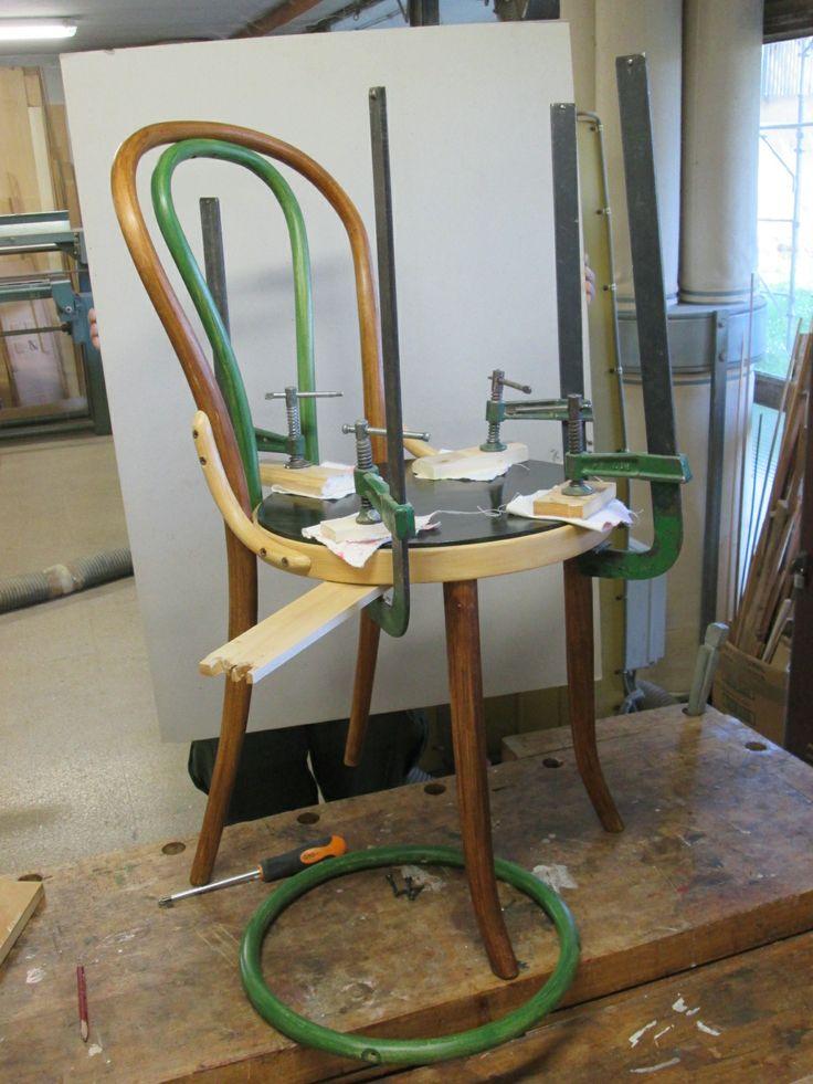 sedia thonet rinnovata (sotto morsettatura)