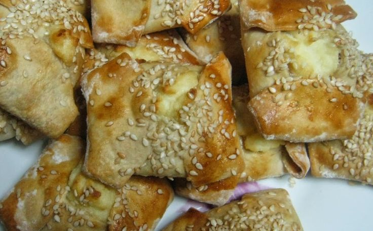 Kalitsounia is an appetizer that comes from Crete. This sweet cheese pastries recipe takes around 60 minutes to prepare and around 25 minutes.