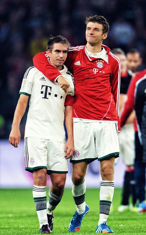 Philipp Lahm & Thomas Müller. This picture is their friendship in a nutshell, lol.