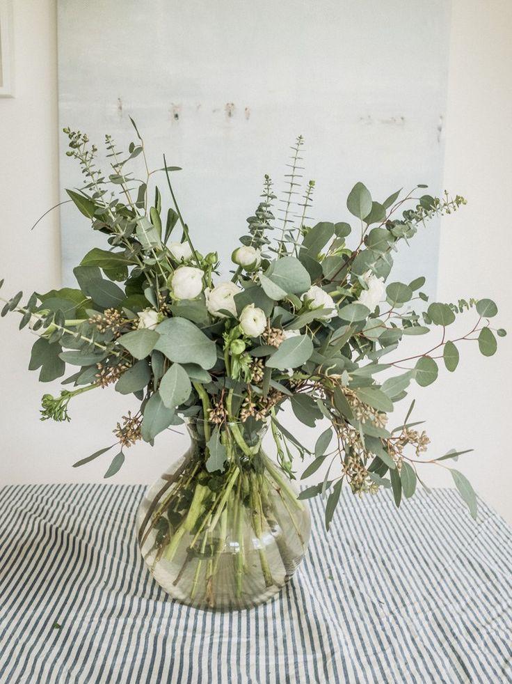EUCALYPTUS + RANUNCULUS BOUQUET on EMILY ALDER   tips for creating a beautiful DIY ranunculus and eucalyptus bouquet   www.EMILYALDER.com