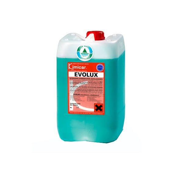 EVOLUX 25 KG. Super detergente innovativo ad altissima resa e biodegradabilità. E' dotato di un forte potere sospensivante dello sporco, quindi facilmente risciacquabile,  inoltre evita l'asciugatura nella stagione estiva. Indicato per auto, autocarri, cisterne, teloni, motori, cerchioni.  Ideale per autolavaggi self-area, nebulizzatori, impianti automatici e manuali.