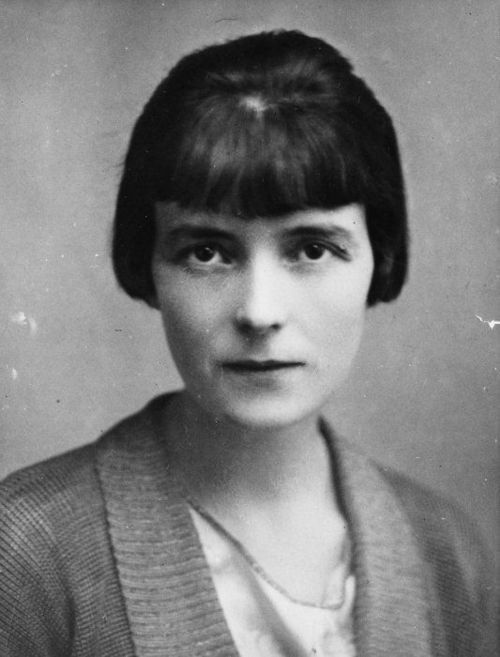 Katherine Mansfield died from tuberculosis at the age of 34.