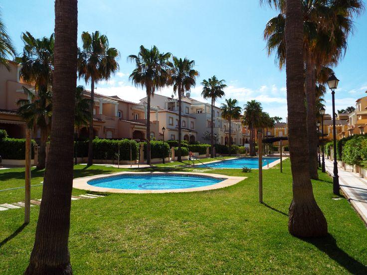 Appartement met Patio en Zwembad - https://plus.google.com/+Villaslasellajavea/posts/VQWTXdhFSoU