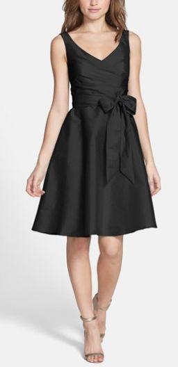 little black dress. LOVE this style! http://rstyle.me/n/pjjnnn2bn