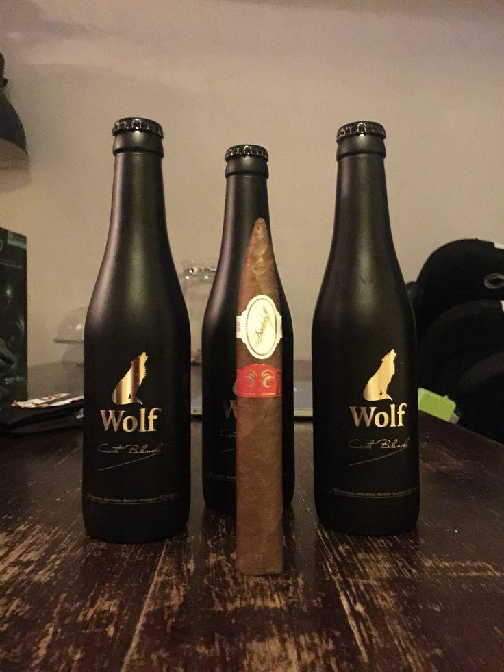 Traktatie voor vanavond;  - Davidoff Year of the Sheep (@havanahousehaarlem 38 euro) - Wolf Carte Blanche Blond Bier (Melgers Haarlem 4,25 euro per flesje)