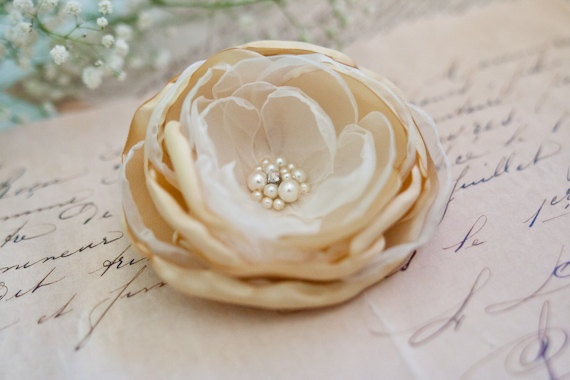 Bridal Gold Hair Flower by BelleBlooms: Ivory Wedding, Flowers Cream, Wedding Hair Flowers, Gold Hairpiece, Wedding Hairs, Flowers Accesories, Bridesmaid Hair Accessories, Pearls Bridesmaid, Wedding Hair Accessories