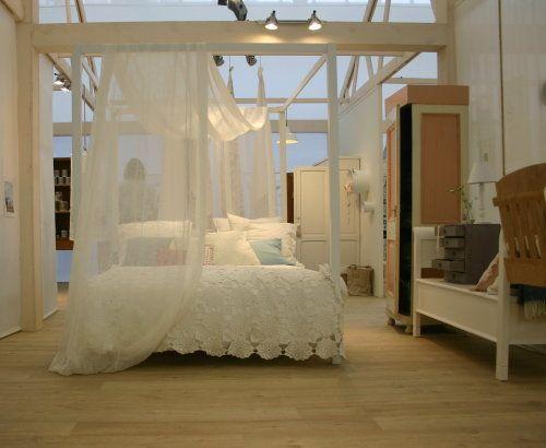 17 beste idee n over slaapkamer bankjes op pinterest kalme slaapkamer slaapkamers en wit - Interieur eigentijds houten huis ...