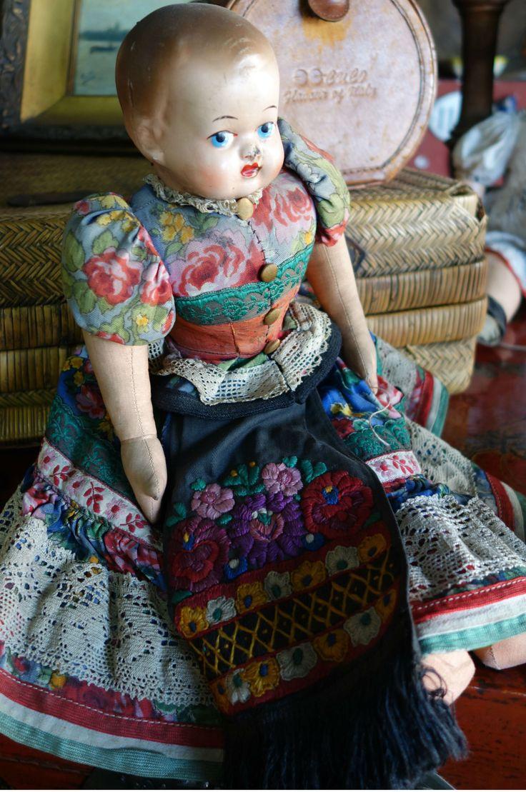 Muñeca con vestido, Sonia Carroza Antiguedades