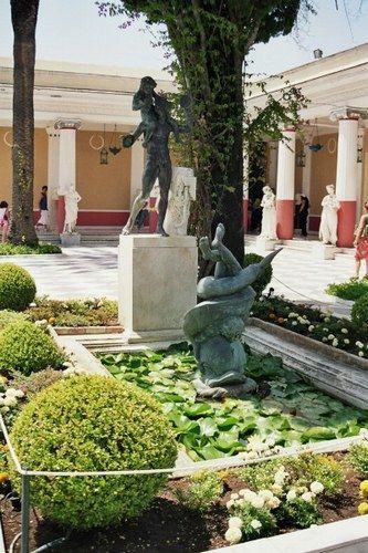 Jardins de l'Achillion - Benitses, Corfou.