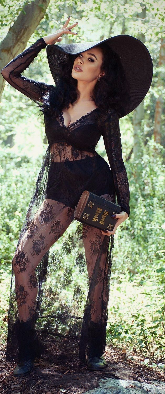The wonderfully wicked witch of the West. dark mori kei, black forest kei, bruja, strega, sorcier, hippie goth, boho goth, dark bohemian, bohemian goth, witchcraft, spells, book of shadows
