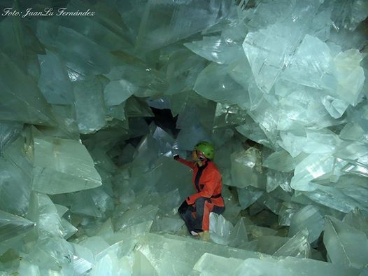 Crystal Cave Mexico share on facebook | The Giant Crystal Cave in Mexico under Naica Mountain.