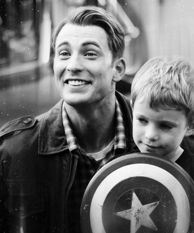 Chris Evans and a Captain America fan.