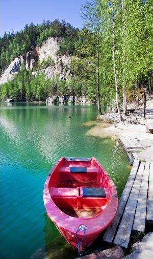 Adršpach-Teplice Rocks, Rock Lake, Czech Republic Fot. kaprik - Shutterstock