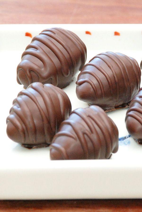 Chokolade trøfler med marcipan og krokant - Opskrift fra Bageglad.dk