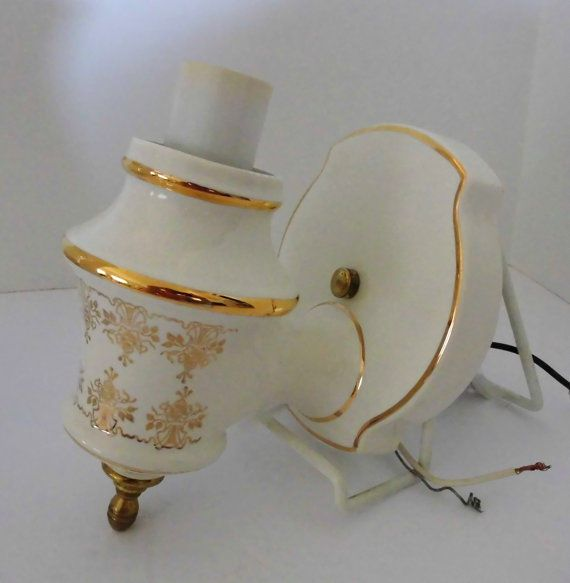 Vintage Porcelain Wall Sconce Light fixture Thomas Industries Pretty gold/White