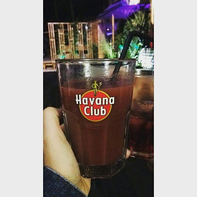 Ces soirées si simple sont les plus magiques    #soiree #amour #golf #classe #landes #capferret #kiss #instagram #instasize #fraise #bar #bebe #mavie #vincent #holliday #summer #vacances #havana #club #follow #like4like #august #lovely #instagood #instagram #instamoments #kiss #instamood #2015 #follow by lucie_mcl