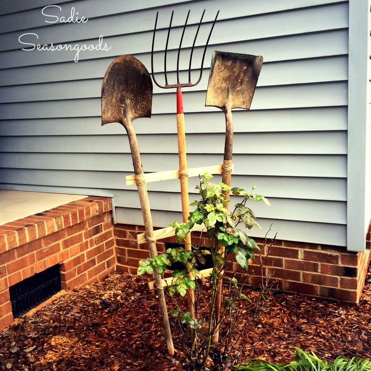 Garden Trellis from Vintage Yard Tools by Sadie Seasongoods, featured on Funky Junk Interiors