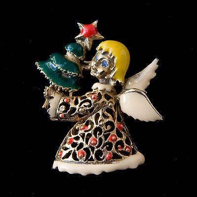 ツリーを持つ天使のヴィンテージ・ブローチ