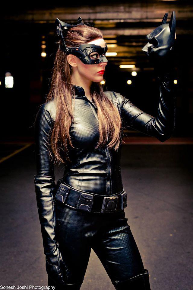 17 Best images about Comics Dc: Catwoman Batman Rises on ...