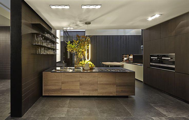 17 best images about poliform and varenna booths at salone for Varenna kitchen