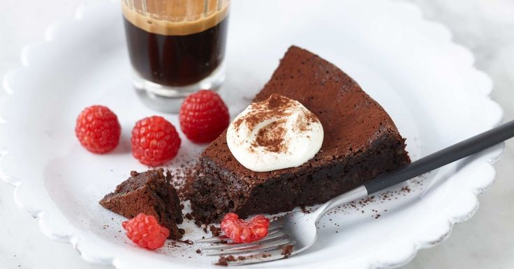 This rich chocolate cake uses macadamia meal instead of flour which makes it perfect for gluten allergies but also gives the cake wonderful flavour and texture.