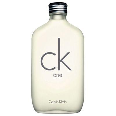 La fragancia más conocida de CK, One, con toques aromáticos cítricos.