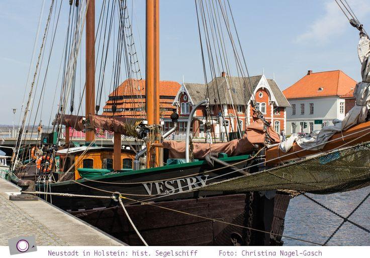Ich möchte euch heute mitnehmen auf eine Tour entlang herrlicher Buchten und Häfen der Ostsee in Schleswig Holstein.  Im ersten Teil des Roadtrip geht es von Lübeck über Warnsdorf nach Neustadt in Holstein.