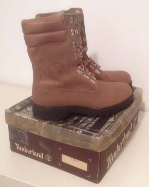 """Vendo #Timberland Super Boot """"40 Below"""" #vintage #anni80 da #Paninaro, #MadeInUSA, modello 10283 con suole #Vibram    Nuovi con scatola e sacchetto bianco originali, misura 9 MW corrispondente a un 43 EU e 8.5 UK    I boot Timberland dell'epoca dei #Paninari, vero #vintage #80s    #abbigliamento #casual #uomo #men #fashion #vtg #boot"""