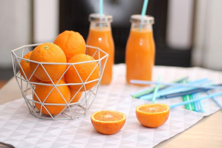 Rien ne vaut un bon jus d'orange 100% pressé alors aujourd'hui je ne vous livre pas la recette parce que c'est simple mais plutôt de précieux conseils. Le lien ici : http://www.delices-de-mouflette.com/recette-jus-dorange/