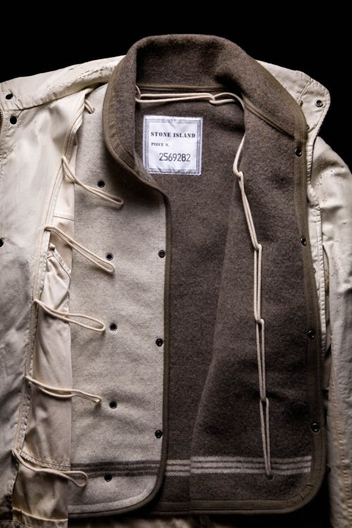 Coat in Raso ray, detachable inner lining made from dual colour wool cloth. Stone Island A/W 1993-94.