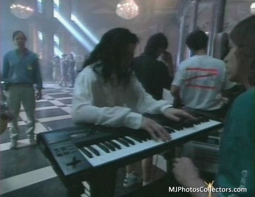 NEW: GHOSTS - Michael Jackson's Ghosts Photo (16204325) - Fanpop